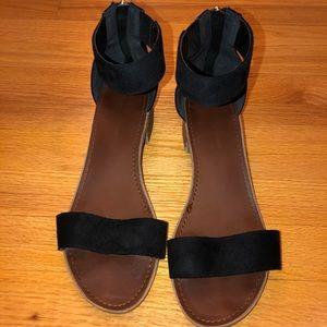 Rock & Candy Black Sandals - Size 10